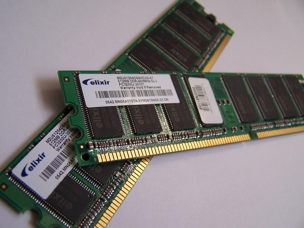 Perbedaan RAM dan ROM Serta  Persamaan Keduanya_2