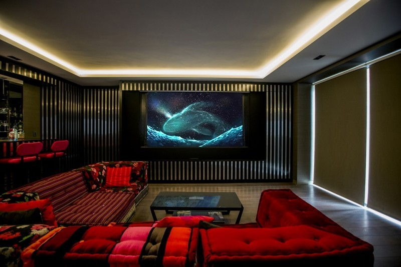 5 proyektor untuk home theater proyektor projector. Black Bedroom Furniture Sets. Home Design Ideas