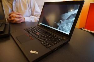 Laptop Lenovo ThinkPad X250 dengan Dua Baterai_2