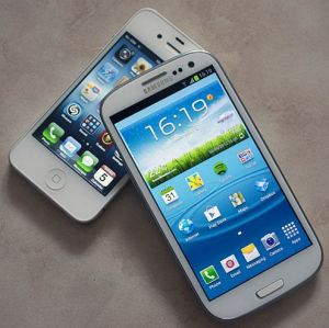 Pilih Mana, Samsung Galaxy S3 Mini atau iPhone 5?